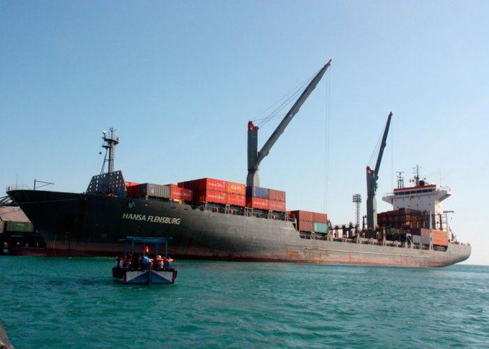 Bolivia abre opciones para su comercio a través de Perú