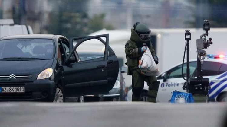 El conductor del vehículo dijo que adentro había explosivos (Reuters)