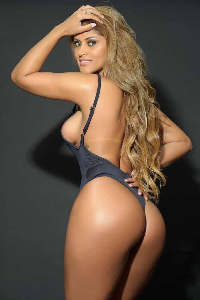 Rosie Oliveira missbumbumbrasil