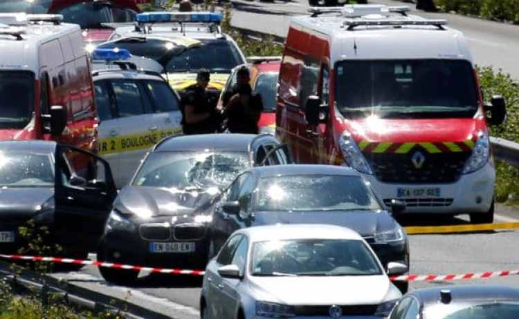 Un hombre atropelló a seis militares en París (REUTERS)