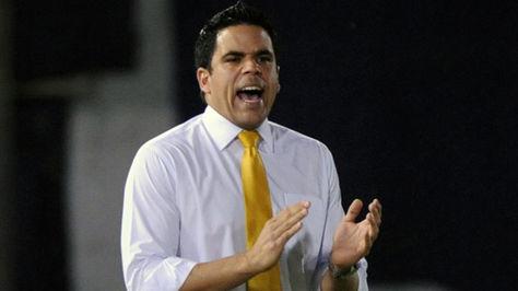 Daniel Farías cuando era técnico de Zulia en Venezuela.