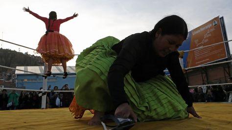 Cholitas luchadoras en La Paz