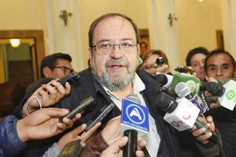 Roberto Aguilar, ministro de Educación.
