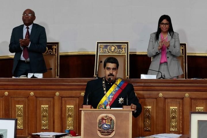 Denuncia Maduro que Venezuela es el centro de una operación mundial