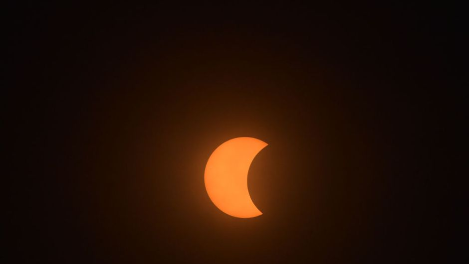 The total solar eclipse is viewd from Charleston, South Carolina, on August 21, 2017. The Sun started to vanish behind the Moon as the partial phase of the so-called Great American Eclipse began Monday, with millions of eager sky-gazers soon to witness
