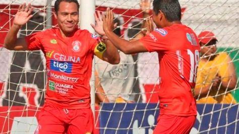 Celebración de los jugadores del equipo de Guabirá.