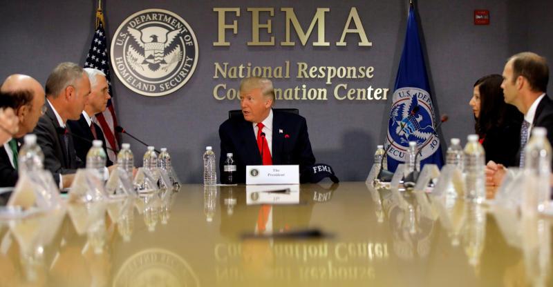 El presidente se reunió con la Agencia Federal para el Manejo de Emergencias (FEMA) ante la llegada del huracán.