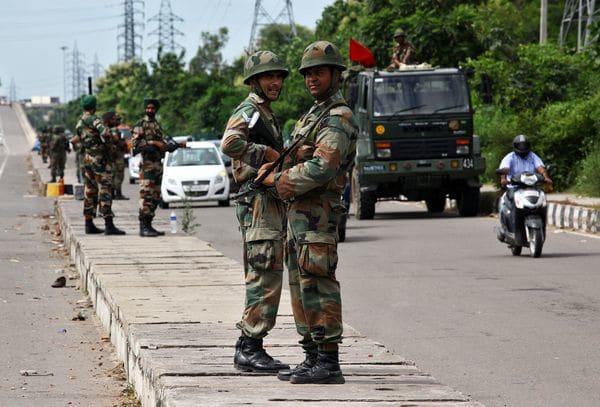 China confirma retirada de tropas indias de territorio fronterizo