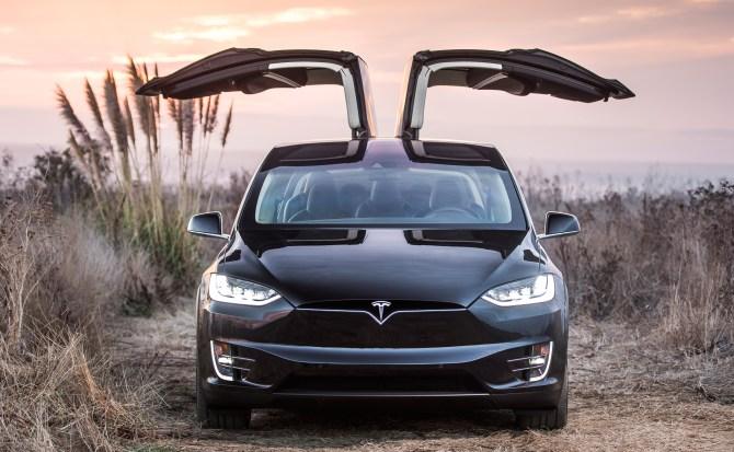 Tesla elimina su limitación para aprovechar la máxima potencia de los coches