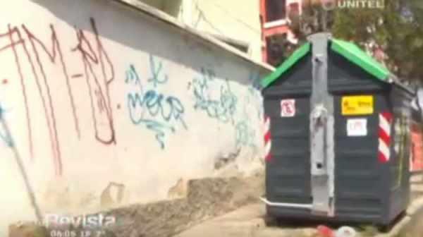 El cuerpo estaba al lado de un contenedor de basura de la zona Miraflores.