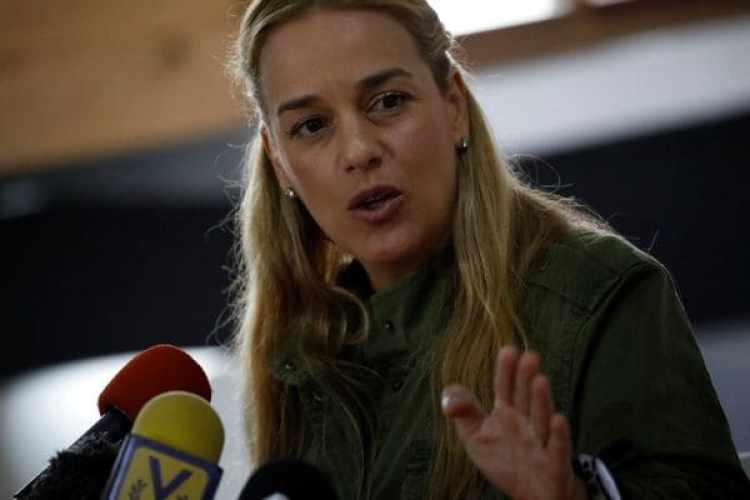 Lilian Tintori durante una conferencia de prensa en Caracas (REUTERS)