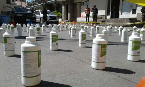 Secuestran 113 kilos de cocaína líquida en Cochabamba.