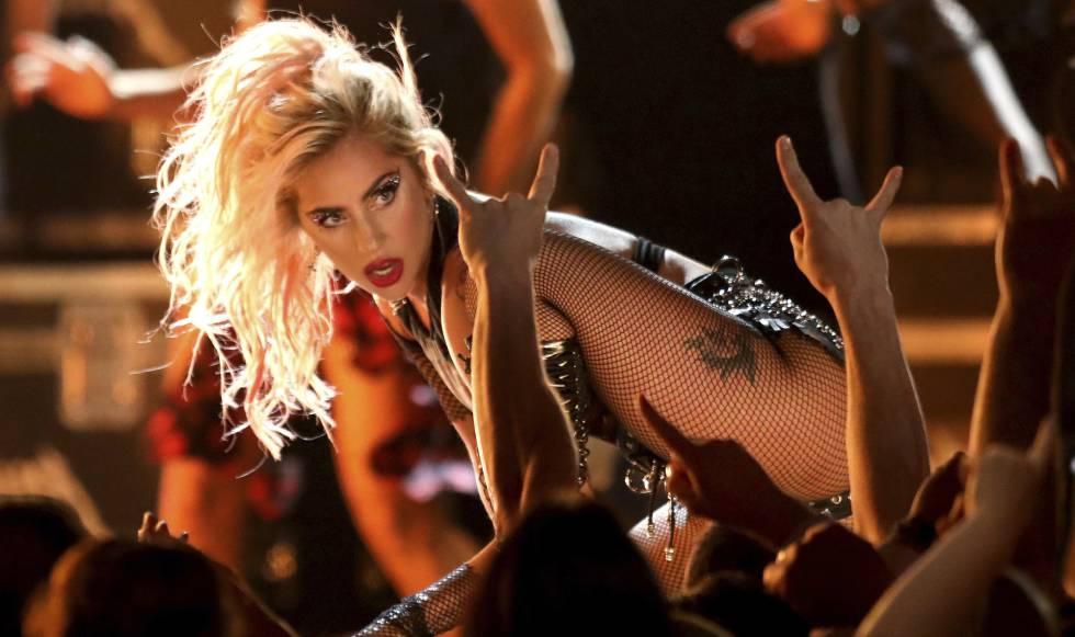Lady Gaga, durante su actuación en los pasados premios Grammy en Los Ángeles.