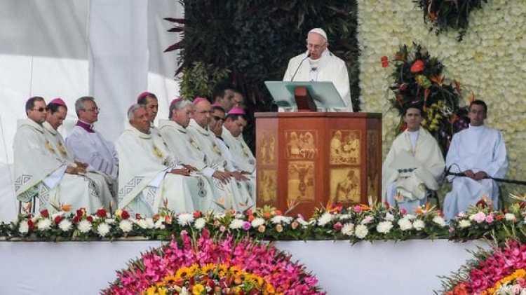 El papa Francisco en una misa en Medellín, Colombia (EFE/EPA/ALESSANDRO DI MEO)