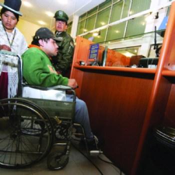El Gobierno administrará Bs 5 millones de los discapacitados