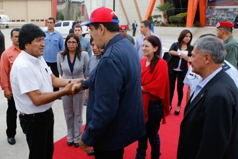 Evo Morales anuncia viaje a Venezuela para cumbre solidaria con Maduro