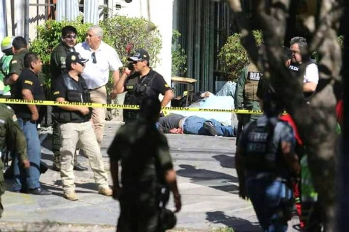La balacera en Santa Cruz dejó, por ahora, cuatro fallecidos y varios heridos. Foto: Gentileza