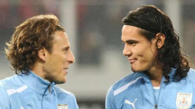 Forlán y Cavani jugaron juntos los Mundiales 2010 y 2014 (Getty)