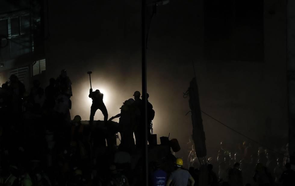 El rescate nocturno en la Ciudad de México.