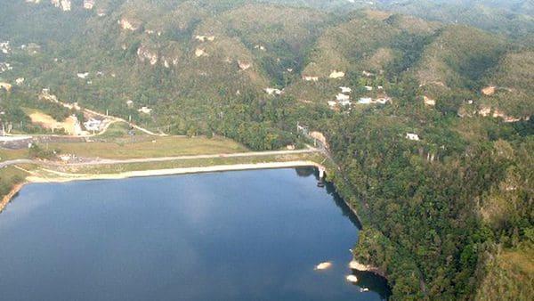 Hallan fisura en presa de Puerto Rico tras el paso de María