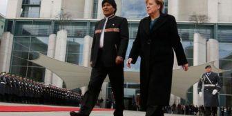 Evo Morales felicita a Merkel y la cita como ejemplo de la reelección continua