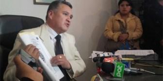 León pide devolución de título y resarcimiento millonario