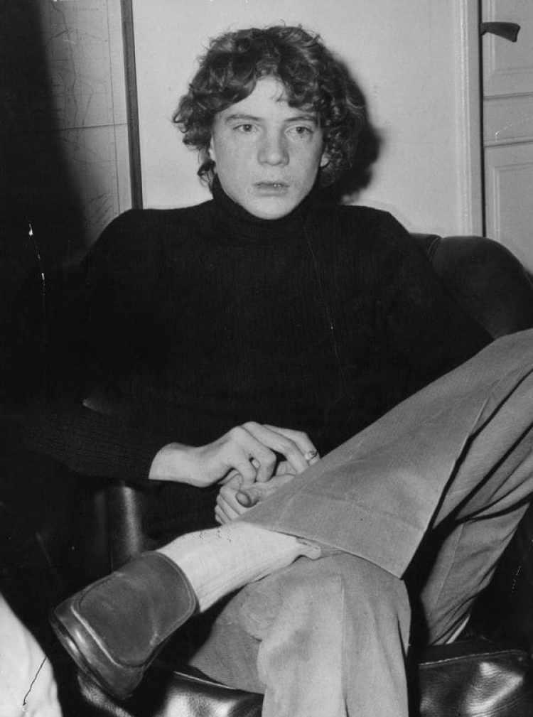 John Paul Getty III, nieto de Jean Paul Getty en una fotografía tomada en diciembre de 1973 tiempo después del secuestro. En la imagen puede verse que le falta una de sus orejas (Getty Images)