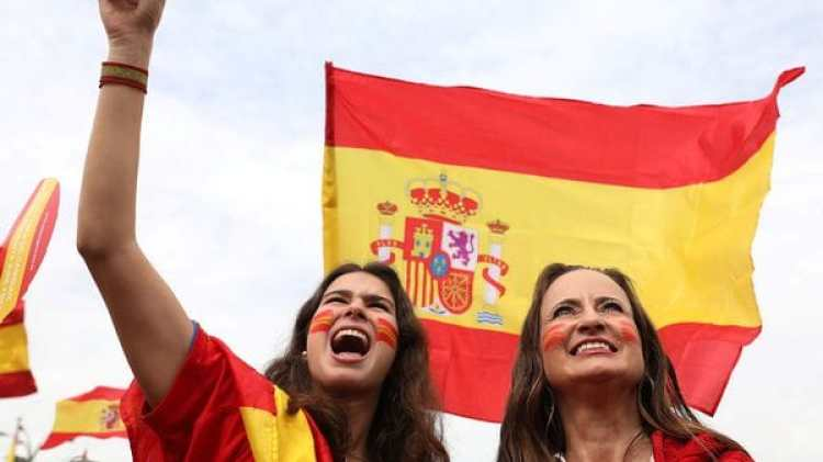 """Se escuchó el grito de """"Viva España"""" en las marchas (Reuters)"""