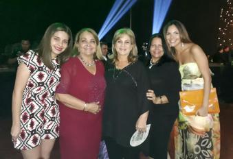 Ana Paula Pessoa, Ana Maria, Sonia, Gina y Noelia Vincenti