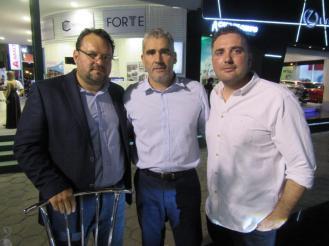 Land Rover Alfonso Justiniano Oscar Coronado y Oscar Coronado