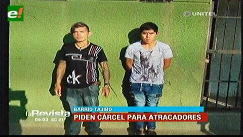 Vecinos piden cárcel para dos sujetos que atracaban en el barrio Tajibo