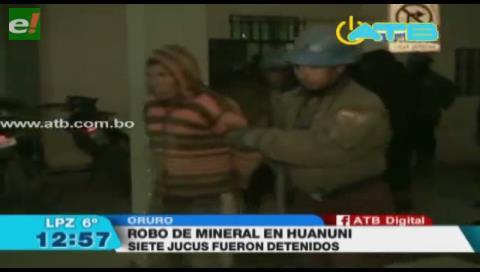 Sorprenden a jucus robando mineral en la mina Huanuni
