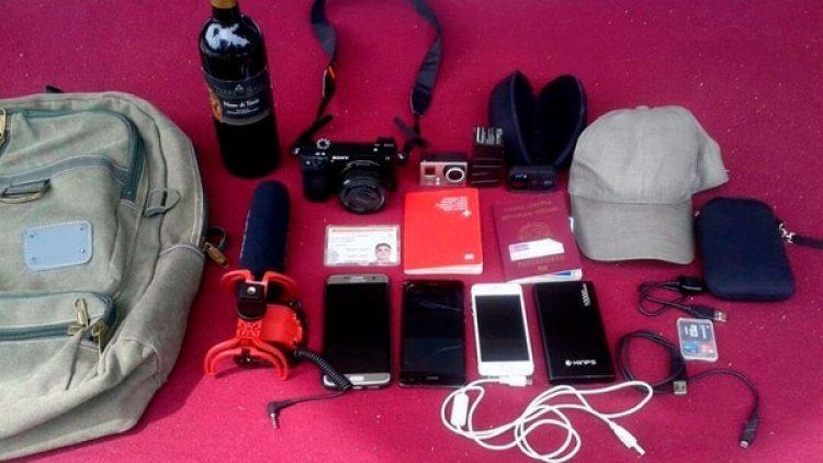 Los periodistas fueron detenidos por ingresar equipos de grabación (Twitter: @FEDGLOCK)