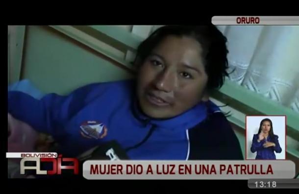 Mujer dio a luz a un bebé en patrulla policial