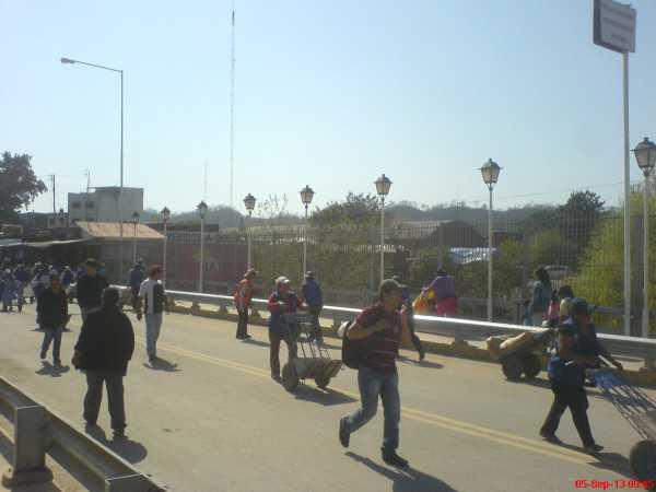 Puente Internacional que une San José de Pocitos (Bolivia) con Salvador Mazza. (Foto: Archivo elchacoinforma.com)