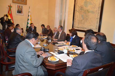 El encuentro entre los representantes de la prensa y los presidentes del Senado y Diputados. Foto: Cámara de Diputados