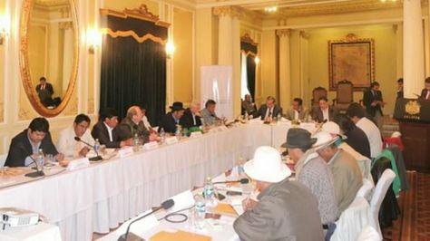 Reunión del Consejo Nacional de Autonomías en Palacio. Foto:http://cna.gob.bo
