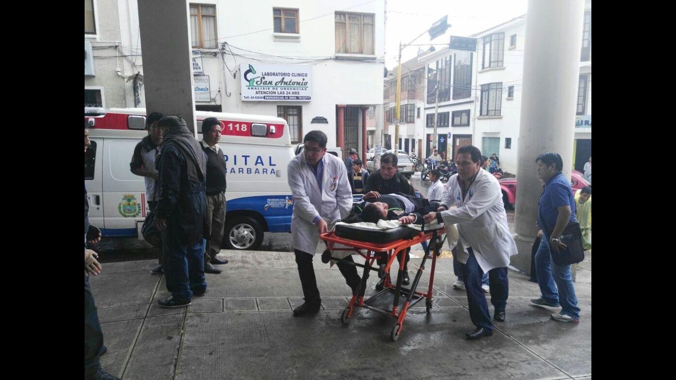 Tinglado cae por granizada y dos estudiantes fallecen