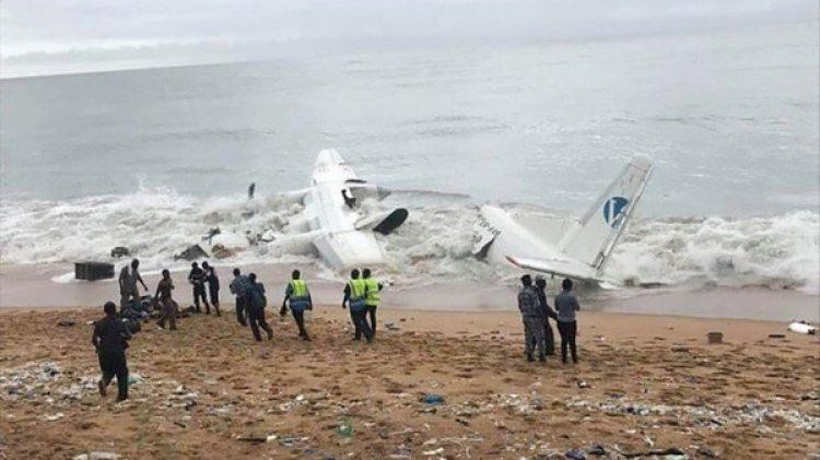 El avión transportaba material para el Ejército francés (@AlexInAir)