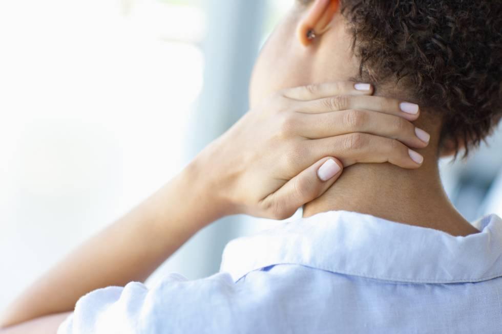 El dolor cervical tiende a disminuir en las personas que duermen bien.