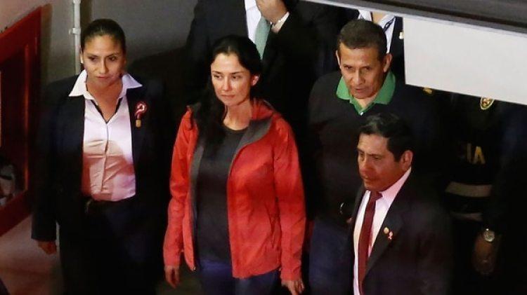 Humala y Heredia al entregarse a las autoridades, cien días atrás (AFP)