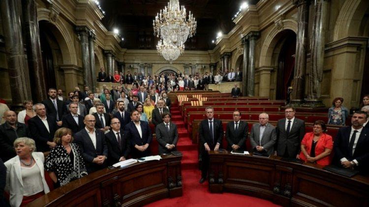 El Parlamento de Cataluña tendrá una sesión extraordinaria clave este jueves(Reuters)