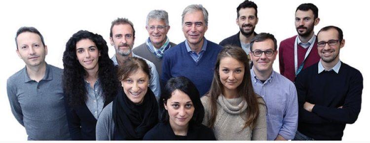 Ahmadreza Djalali junto con el grupo de investigadores del Centro de Investigación en Medicina de Desastres (Crimedin) de la Universidad del Piemonte Orientale, en Italia