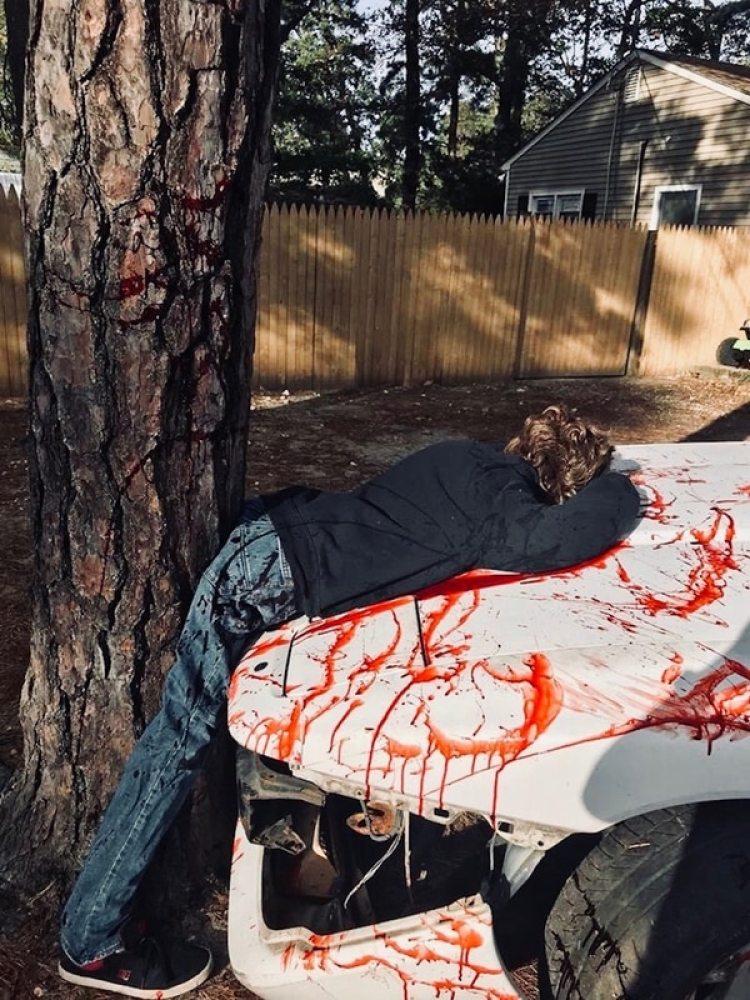 El realismo de la escena generó que muchos vecinos llamara al 911 para pedir ayuda
