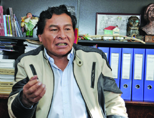 Exconstituyentes del MAS piden que se llame a otra Constituyente