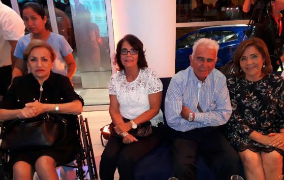 Carmen Neptala, Carmen Alicia Vaca Diez, Alfredo Vaca Diez y Ma. Isabel Cuellar