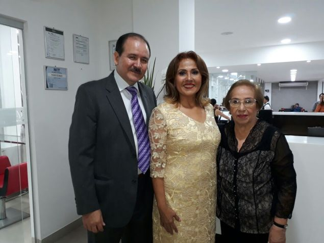 Oswaldo Ribera, Mary Lizzie y Mirtha Leiva