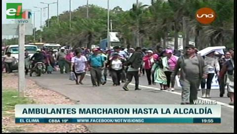 Tras el desalojo, los gremiales de Warnes marchan y hacen huelga