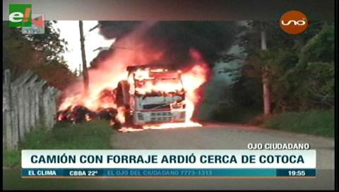 Cotoca: Camión con forraje se incendio tras pasar por cables de alta tensión