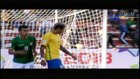 Impecable actuación de Lampe evita que Brasil derrote a Bolivia en La Paz